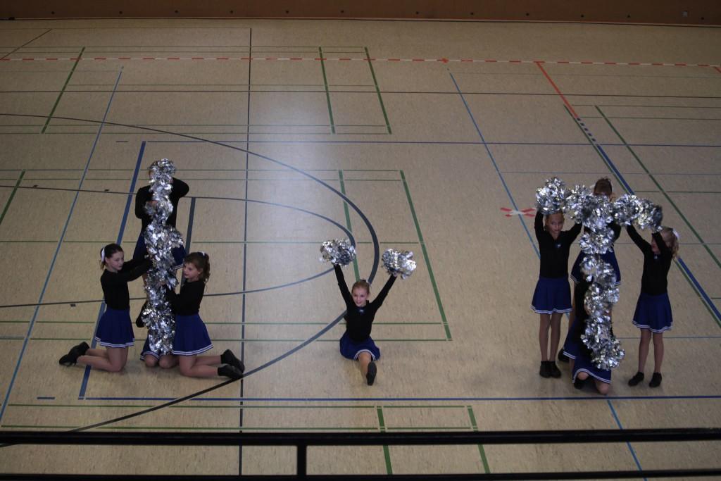 Twirling Cheerleader Revue Junioren