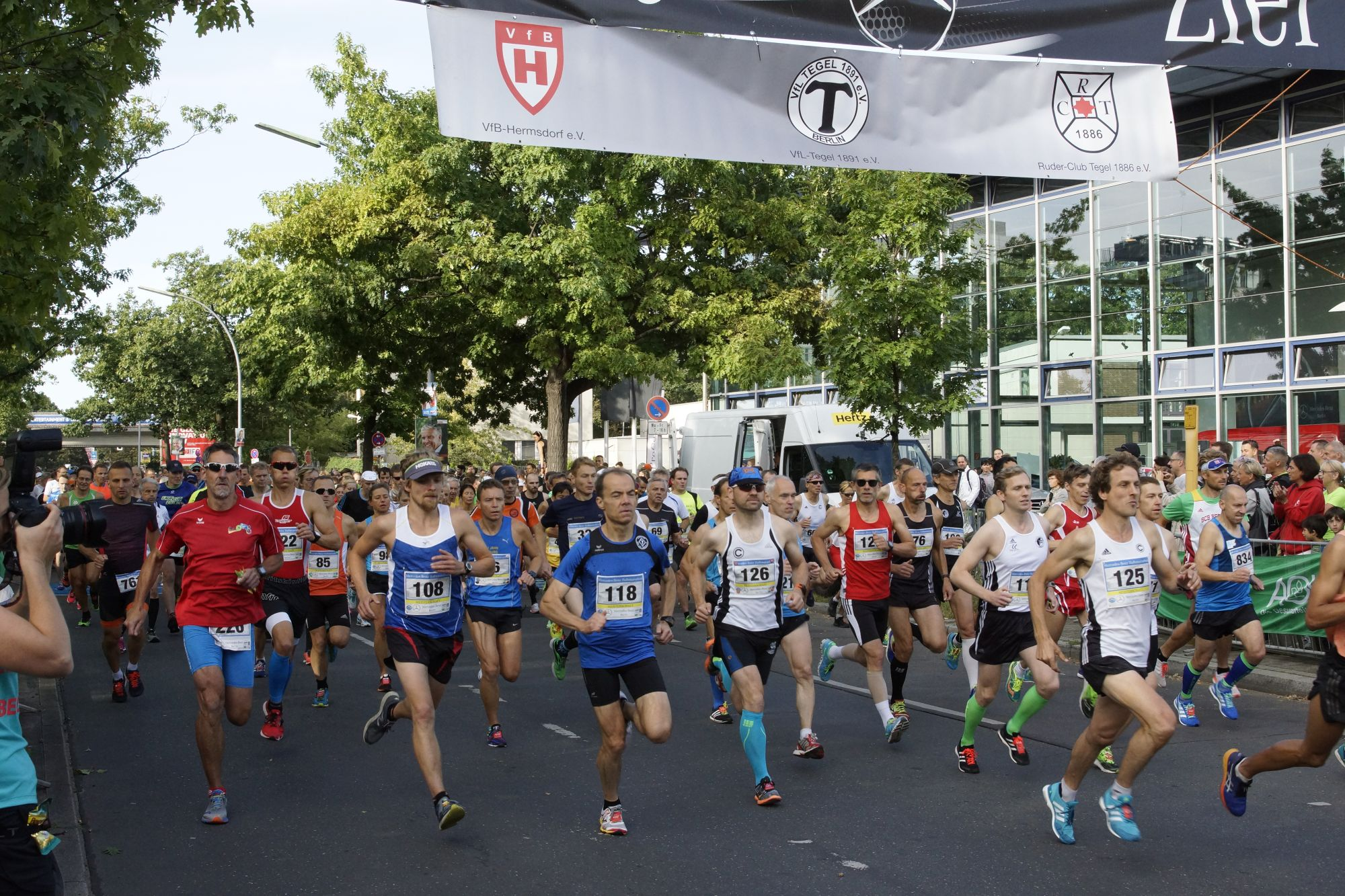 20. mercedes-benz-halbmarathon/10km-lauf/mini-marathon in berlin